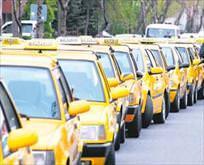 Taksiciler öpüşen müşteri istemiyor