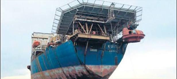 O gemi İzmir'de