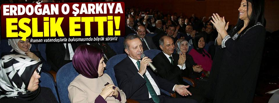 Cumhurbaşkanı Erdoğan şarkı söyledi!