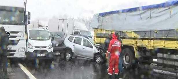TEM'de kaza: 50 araç birbirine girdi