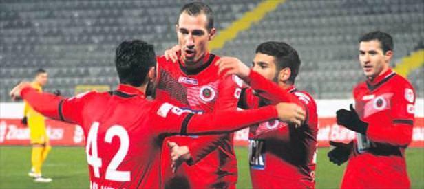 Gençler, Eskişehir'e fark attı çeyrek finale uzandı