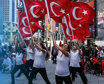 Times Meydanında Türk Şöleni