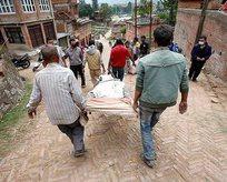 Nepal'de ölü sayısı 7 bini geçti