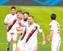 Balıkesir Karabük'ü 4 golle uğurladı