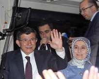 Başbakan Davutoğluna gece sürprizi