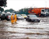 Şiddetli yağmur E-5'i kapattı