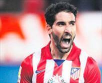 Orta saha transferi için İspanyaya harekat