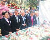 Efsane başkan Seba mezarında anıldı