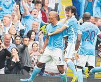 Manchester City Chelse'yi dağıttı