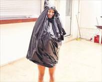 Kurtarıcısı çöp torbası