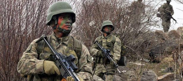 O ülkenin subaylarına Türk komandolarından eğitim