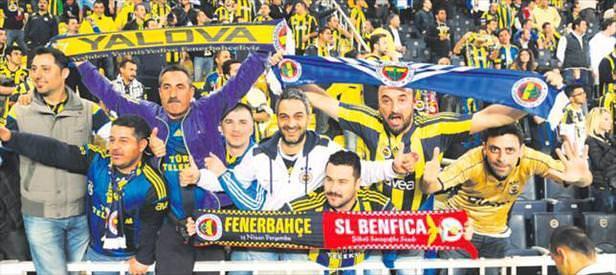Ancak Sneijder'in oğlu görür! Korkmayın kupa yok