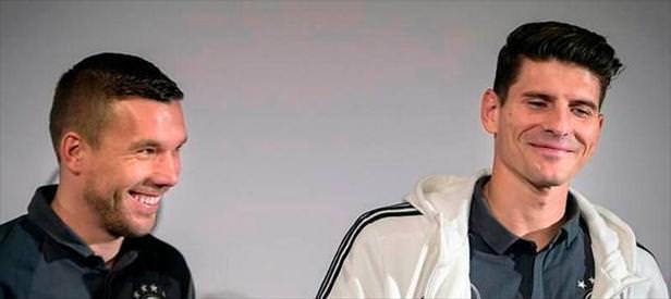 Podolski'ye kafa izni verildi