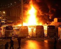 Otogarda 4 otobüs alev alev yandı