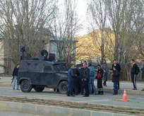 Polis aracına silahlı saldırı! 3 terörist öldürüldü