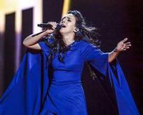 Eurovisionu Türkçe şarkı kazandı!