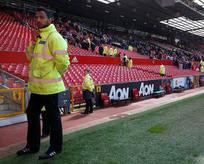 Terör tehlikesi nedeniyle stadyum boşaltıldı