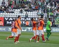 Galatasaray umutlarını son haftaya taşıdı!