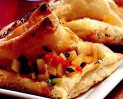 Kırmızı Biberli ve Patatesli Börek Tarifi