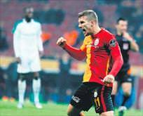 Podolski'den Mario Gomez'e ince mesaj