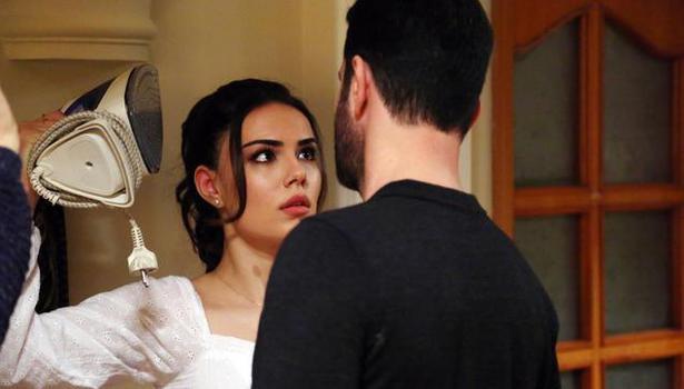 Kimse Bilmez 2. bölümde Ali, Sevda'yı Uygar'ın elinden kurtarırken yaralanıyor