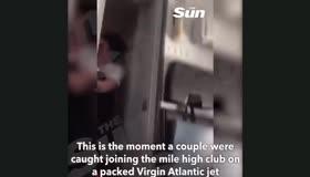 Uçak tuvaletinde seks skandalı!